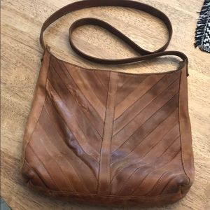 Joanna Gaines favorite crossbody by Raven and Lily